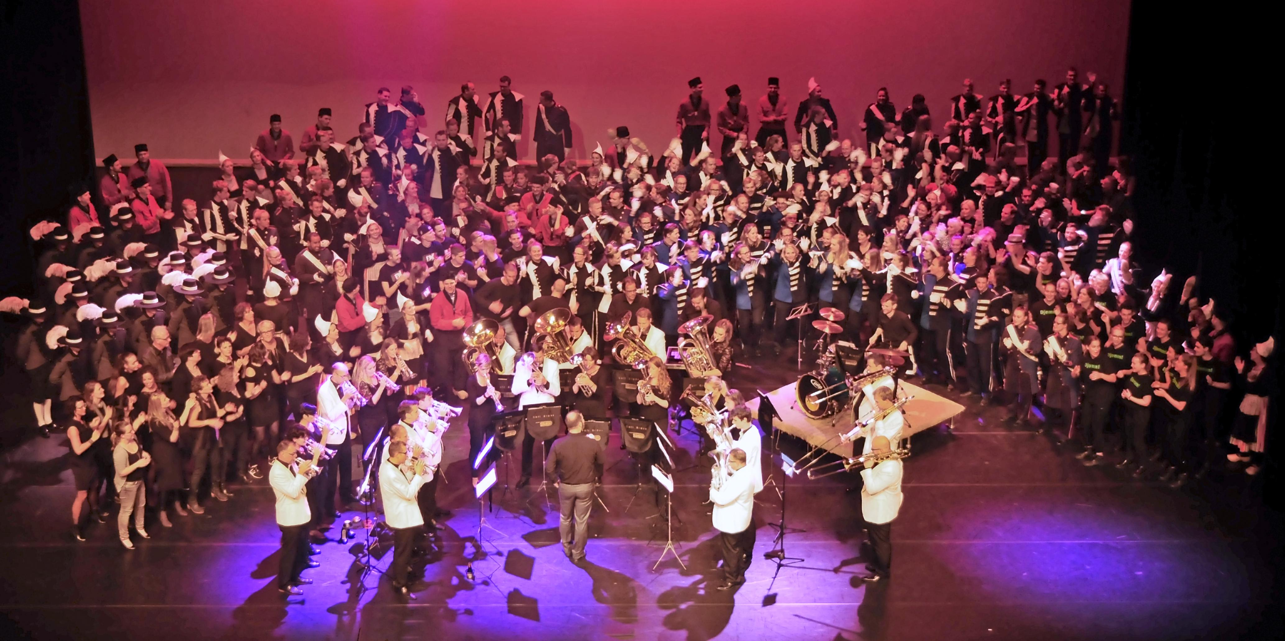 Vijf wereldkampioenen op derde editie van totaaltheaterspektakel Proud on Stage